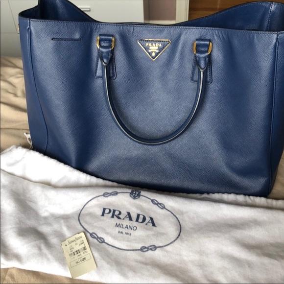 0a3ef4119b83 PRADA Royal Blue Tote Bag. M 5bcaa6431b3294f374d272c3